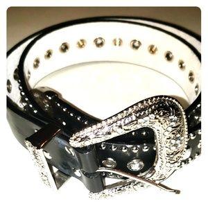 Womens leather black belt sz s/m